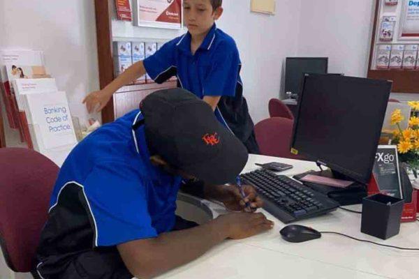 Students attend Bendigo Bank to open up bank accounts